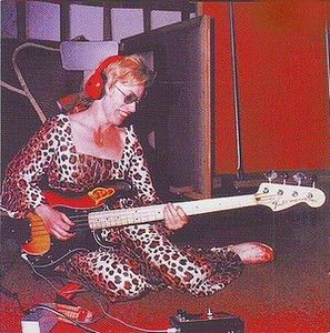 Learn from the Best Bass Players - Carol Kaye